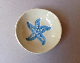 Starfish small ceramic bowl, round multiuse turquoise sea star blue ocean catch all pottery dish, candy berries dish, jewelry catcher