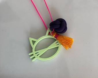 Oz Cat Childrens Necklace | pistachio