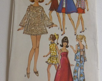 Vintage Simplicity Pattern 8466 Wardrobe for 11 1/2 Inch Fashion Dolls like Barie and Maddie Mod