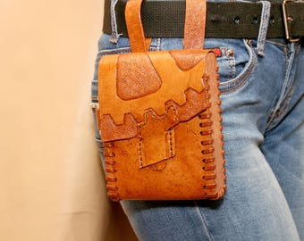 Leather and wood belt bag. Steampunk purse. Steampunk accessory.