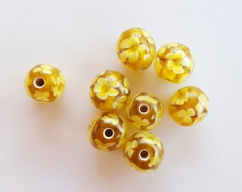 Vintage Pale Yellow and White Round Flower Lampwork Beads, lampwork flower beads, vintage lampwork, flower lampwork beads, round