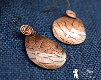 Copper earrings with leaflets