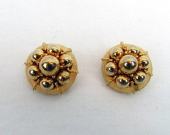 """Vintage 60s Gold Tone Earrings / Round /Beaded / Cabochon / 1"""" Earrings / Clip-0n/ Classic"""