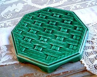 Antique french emerald green majolica trivet. Basket weave majolica trivet. Green majolica trivet. Vintage home decor. Green kitchen decor