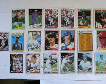 These 15  (G to EX cond)  MAJOR League Baseball cards. Mostly Topps brand,  mostly 1980s, some uncommon type Cards.  PLEASE see description
