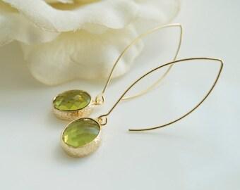 Lively Light Green Earrings. Apple Green Oval Glass Long Dangle Earrings. Bridal Wedding Earrings