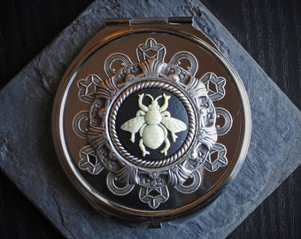 Bee mirror, silver compact, detailed mirror, bee cameo mirror, animal compact, bridesmaid gift, gift ideas for mom, unique Christmas gift