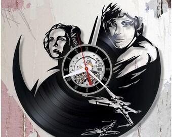 Star Wars vinyl clock/Wall record clock *V0008 /Princess Leia and Luke Skywalker modern clock/Handmade clock/Lp clock