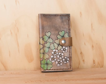 iPhone 7 Wallet Leather in Lucky Pattern w/ Shamrocks & Flowers - Green, white and antique black - iPhone 5, 6, 6+, SE, 7 or 7+ 8 8+ X