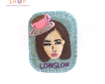 Coffee Girl Brooch, Face brooch,Chic girl face brooch, Felt Brooch, Handmade felt, embroidery brooch, Gift, Brooch, Fashion jewelry, Gift