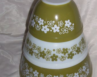 Vintage Pyrex Crazy Daisy or Spring Blossom Mixing Bowls Nice!