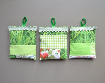green patchwork lavender sachets - garden lavender sachets - mothersday gift - hostess gift - bedroom fresh - sachets with loop - lavender
