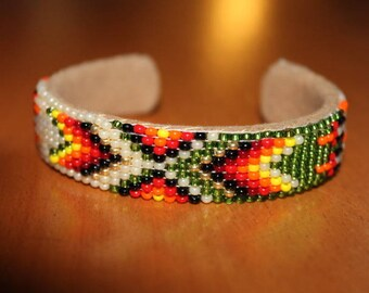 handwoven beaded bracelet Cappadocia with bicycle green / off white