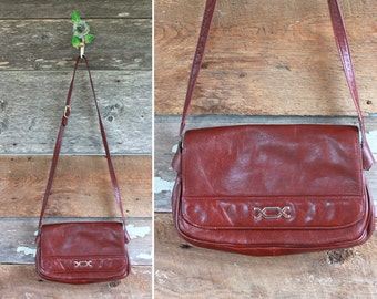 burgundy leather crossbody bag | vintage 1980s purse by Bamberger's | 80s handbag
