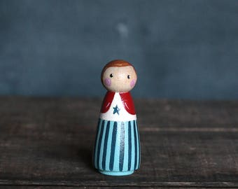 Patriotic Peg Doll, Patriotic Girl Figurine, Patriotic Ornament, Hand painted doll, Patriotic Ornament, Americana Decor, Folk Art Miniature