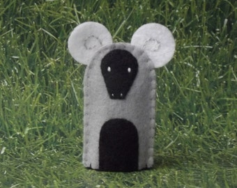 Ram Finger Puppet - Felt Animal Finger Puppet Aries the Ram - Felt Finger Puppet Ram Sheep - Farm Animal Finger Puppet