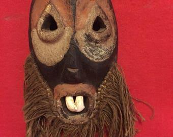 Authentic ceramonial mask , Kenya