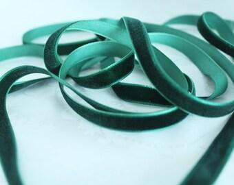 3/8 inch  (10 mm ) Hunter Green  Velvet Ribbon / Single-face velvet ribbon  /  VRPH38-165