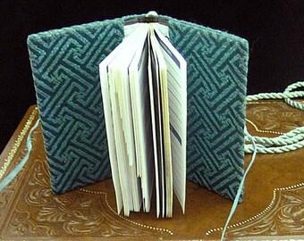 Green Damask Girdle Address Prayer Book - Renaissance Dress Accessory