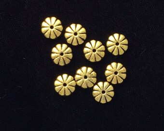 30 Pieces Flat gold flower beads, double sided antique gold finish flat beads, Gold spacer beads, gold daisy spacer beads 19-14-G