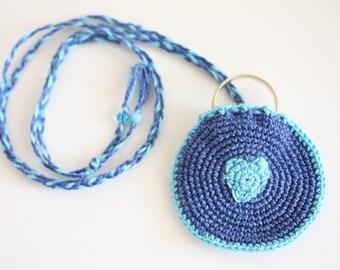Crochet Drawstring Wedding Ring Holder, blue green crochet bag, little pendant bag, neckalce purse, totem saver, round purse, ring keepe