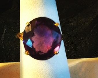 18k Gold ring with 15 carat Amethyst Gemstone