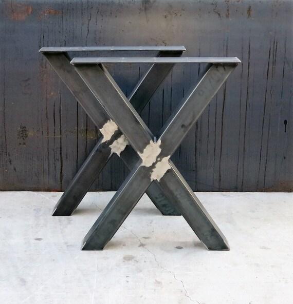 pieds de table en m tal de forme industrielle x 3 x 3. Black Bedroom Furniture Sets. Home Design Ideas