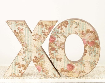 XO - Valentines Day or Wedding Decoration - Table Centerpiece - Cake Topper - Photography Prop