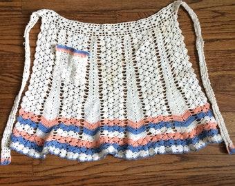 Adorable women's vintage 1970's crocheted apron
