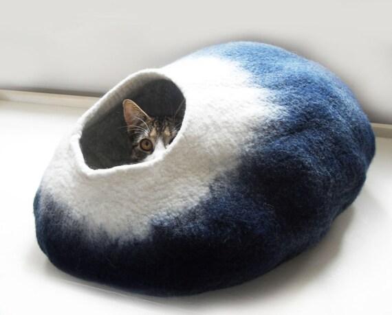 Midnight Moon Cat Bed Cat Cave Cat House cat nap cocoon Free Ball - Medium