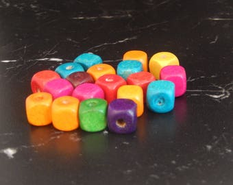 X 20 wooden Cube beads