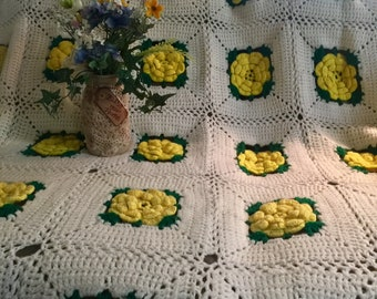 Granny square yellow rose on white vintage Afghan