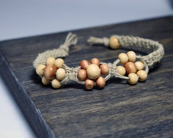 Hand-Knotted Hemp Bracelet with Wooden Bead Flowers
