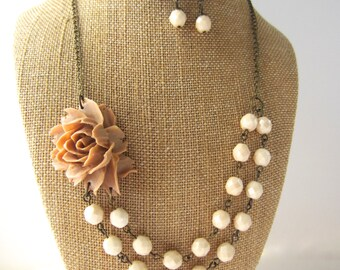 Beige Bridesmaid Jewelry Set Beaded Flower Necklace Beige Wedding Jewelry Rustic Wedding Rose Necklace Statement Necklace