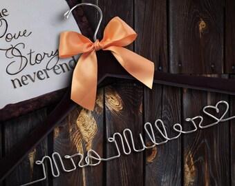 Personalized Hangers for Wedding / Personalized Custom Bridal Hanger/ Brides Hanger/ Name Hanger wedding hanger