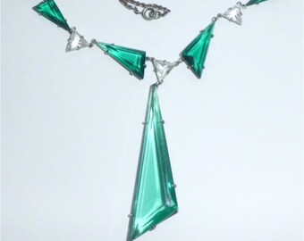 Vintage Art Deco Green Glass Open Back Necklace