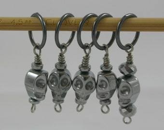 SALE! Knitting Stitch Markers, Silver Skulls