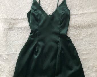 Selena Dress (Emerald)