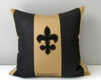 SALE - Fleur De Lis Pillow Cover, Decorative Outdoor Pillow Cover, Black Gold Sunbrella Cushion Cover, New Orleans Pillow Cover, Louisiana