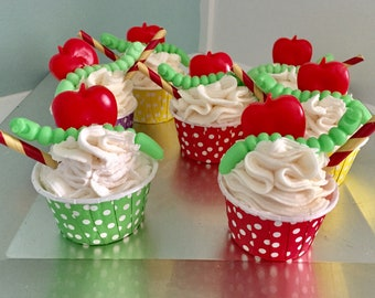Soap cupcakes// Teacher Gifts under 10//Teacher Soap cupcake // Teacher Gifts// Handmade Teacher Gift//  Handmade Soap Cup Cakes// royalty