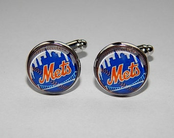 New York Mets baseball cufflinks, Mets baseball emblem, Mets baseball simbol, baseball sports team, Mets Baseball club logo jewelry, wedding
