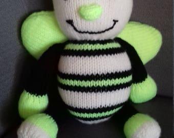 handmade knit bee