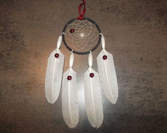 Dream catcher (dreamcatcher) Christmas red and white in feathers and beads