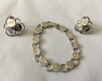 Sarah Coventry Cov Vintage Clip On Earrings And Bracelet Matching Set