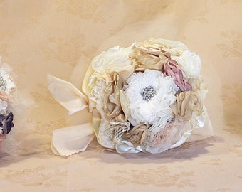 1 Bouquet de mariée,3 Bouquets demoiselle d'honneur + offerts Sac  ou coussin d'alliance ou boutonniere, ou bracelet