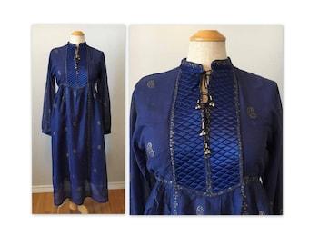 Vintage 70s Hippie Chic Gauze Dress M Golden Paislies on Dark Blue NOS