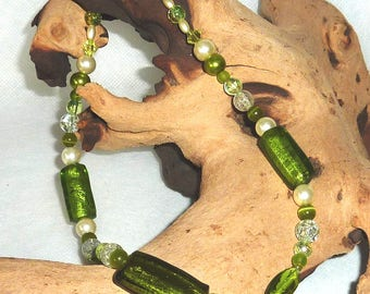 Short Necklace Necklace-Green & Champagne-