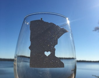 Love MN Minnesota Stemless wine glass