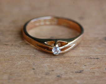 Antique 1910 Edwardian 18K old mine cut diamond solitaire ring
