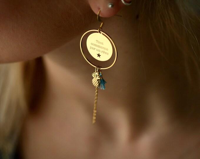 1 pair of earrings the engraved air AR27D